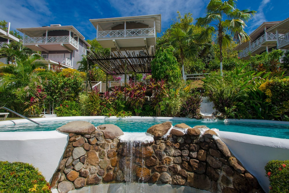 Pool Waterfall, Oasis Marigot Hotel & Villas