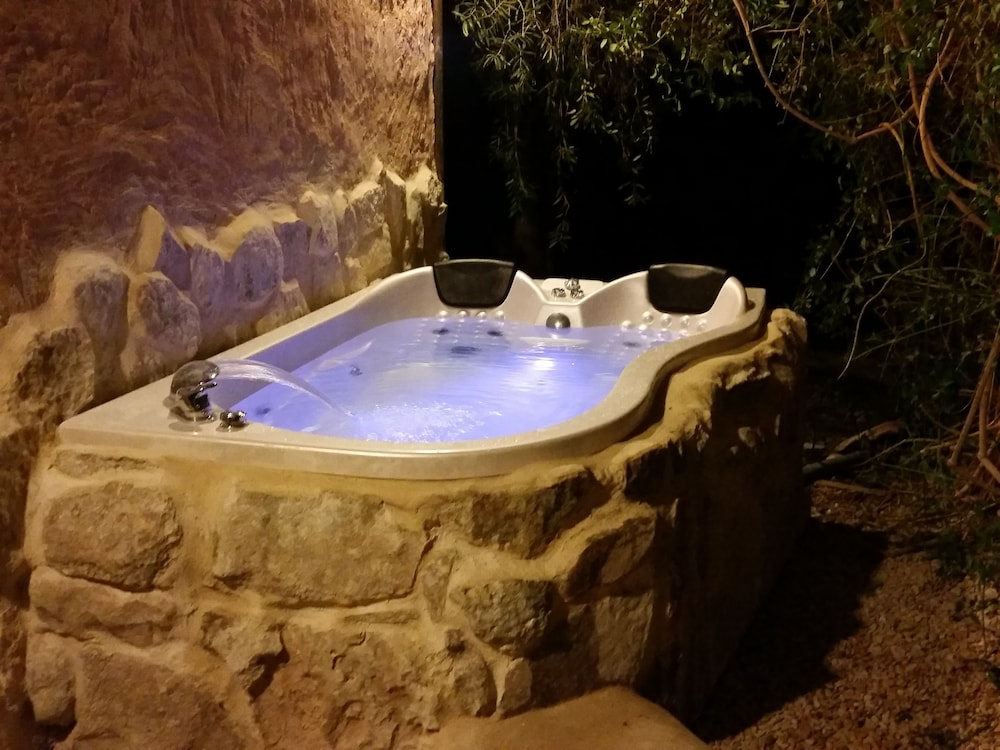 Jetted Tub, Carmey Avdat Farm