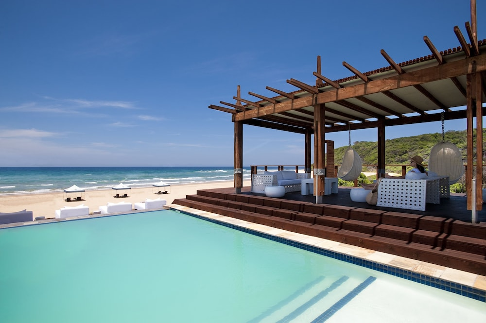 Outdoor Pool, White Pearl Resorts