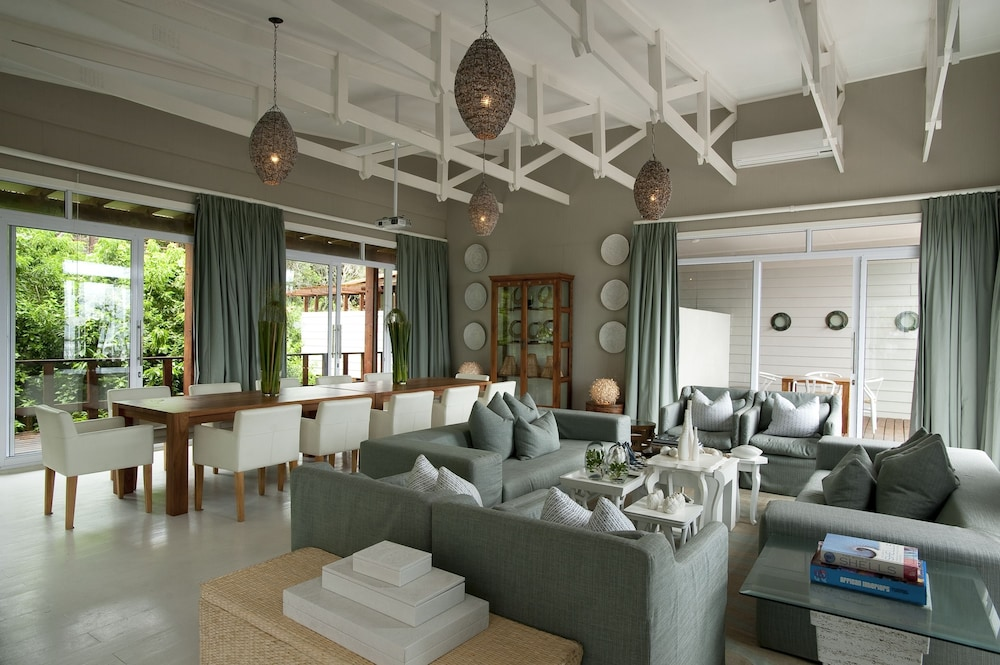 Living Area, White Pearl Resorts