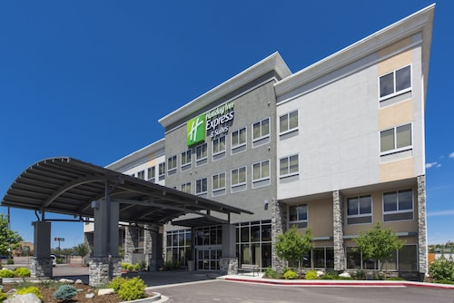 Holiday Inn Express Hotel & Suites Colorado Springs Central