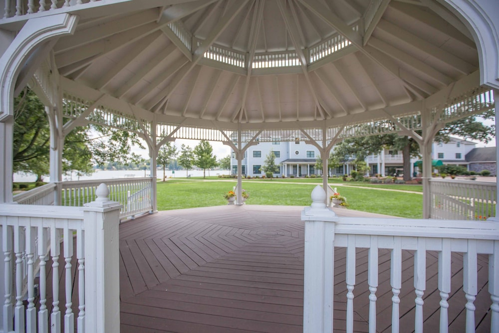 Gazebo, Oakwood Resort