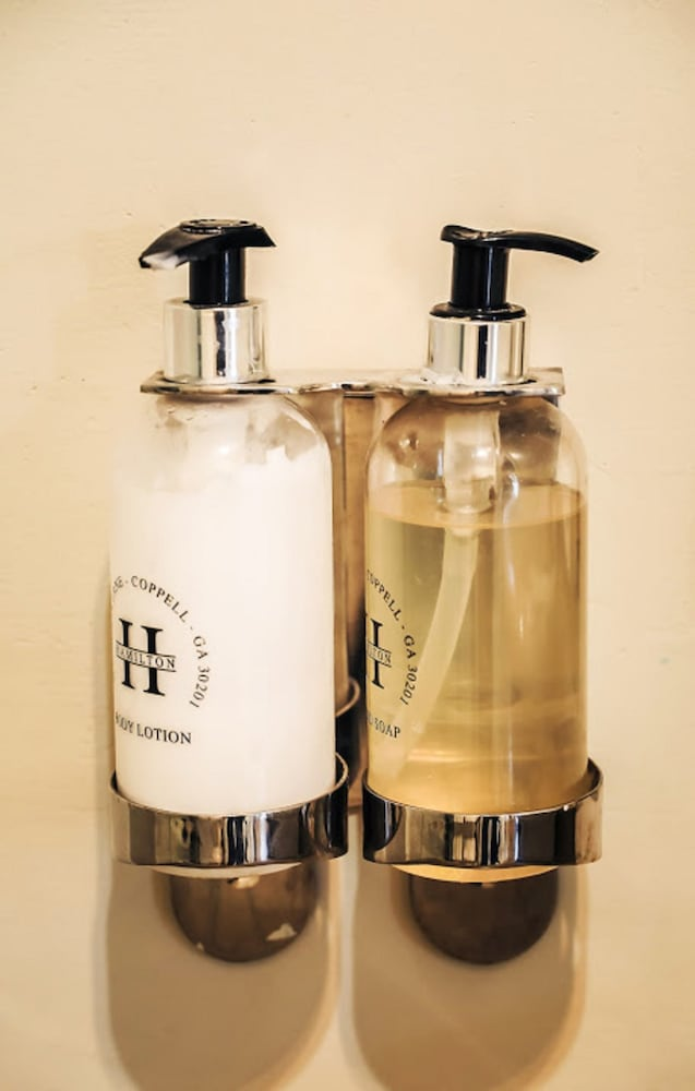 Bathroom Amenities, Nottingham Road Hotel
