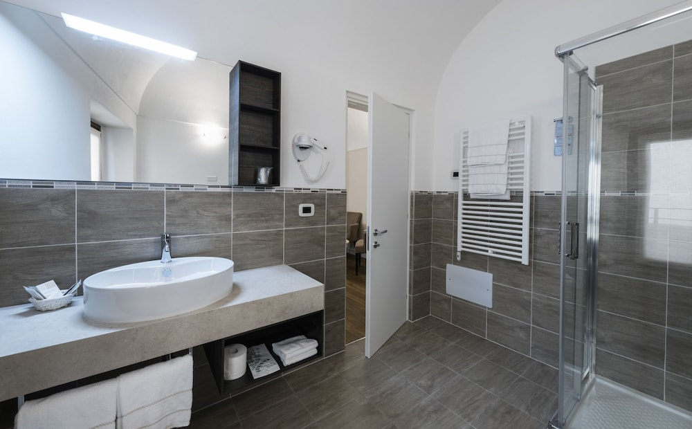 Bathroom, Hotel Garni Corona