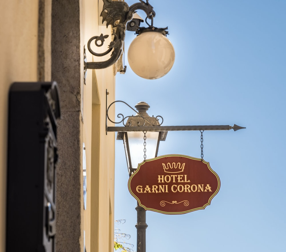 Property Entrance, Hotel Garni Corona