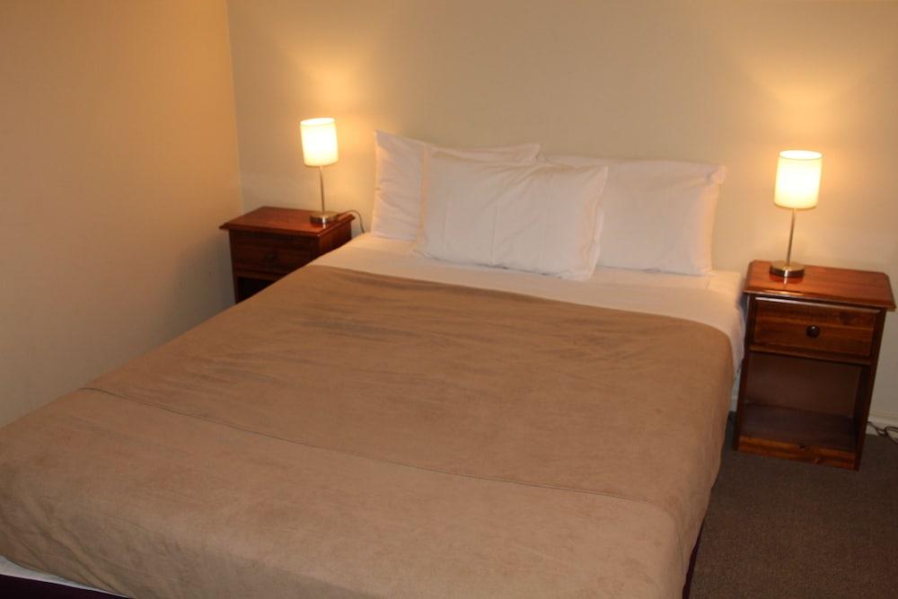 Nireeda Apartments Geelong Geelong AUS Expediacomau - Bedroom furniture geelong