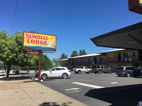 Great Place to stay Sundial Lodge near Redding
