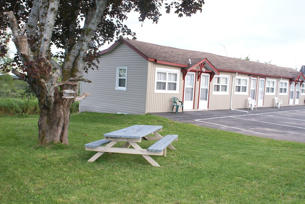 Children's Play Area - Outdoor, Regent Motel