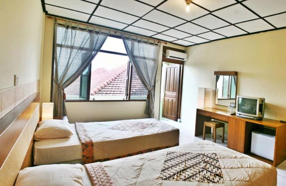 Villa Puri Royan, Jimbaran: 2018 Reviews & Hotel Booking | Expedia ...