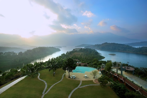 Arayal Resorts: A Unit of Sharoy Resort, Wayanad
