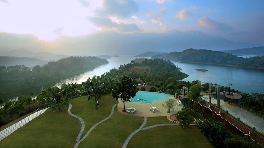 Arayal Resorts: A Unit of Sharoy Resort, Wayanad