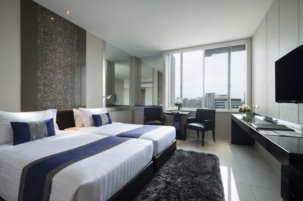 Room, Mandarin Hotel Managed by Centre Point