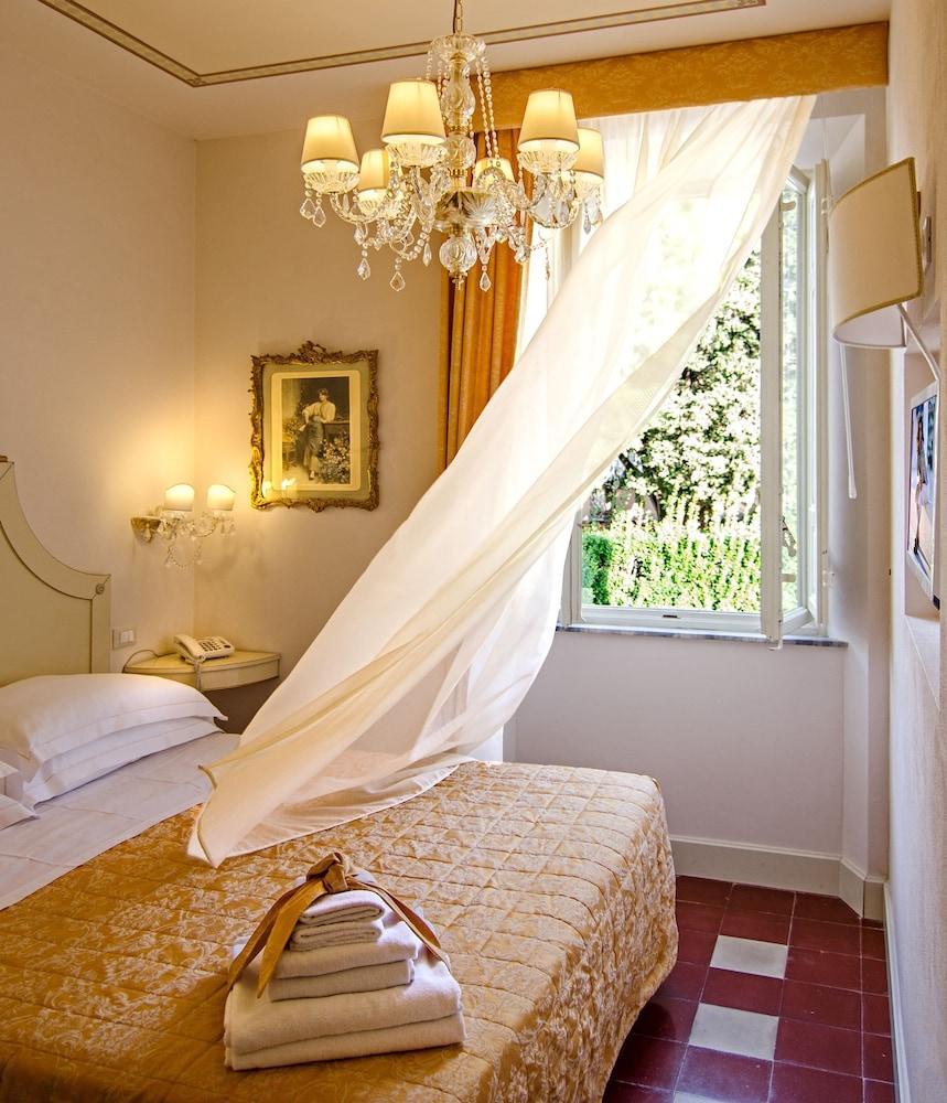Deco Maison De Charme lucca in azzurro maison de charme in lucca   hotel rates