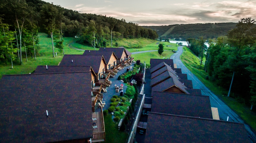 Featured Image, The Lodges at Sunset Village