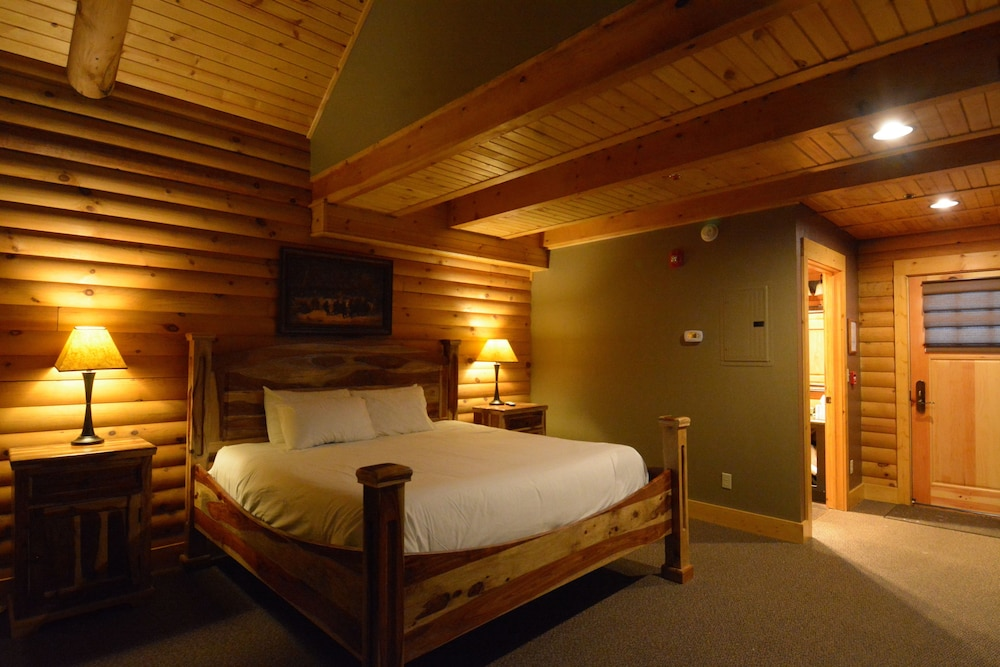 Room, The Lodges at Sunset Village