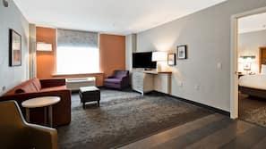 Desk, blackout drapes, iron/ironing board, free WiFi