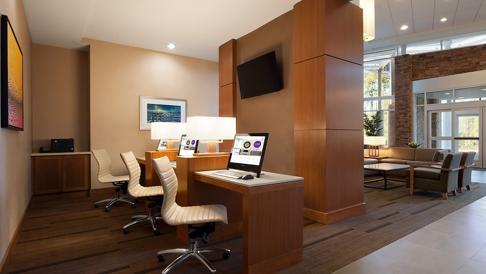 Business Center, Hyatt Place Houston / The Woodlands