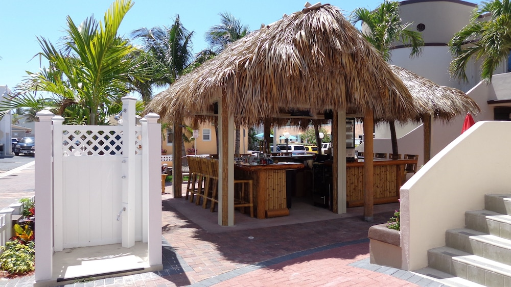 Bar, Caribbean Resort by the Ocean