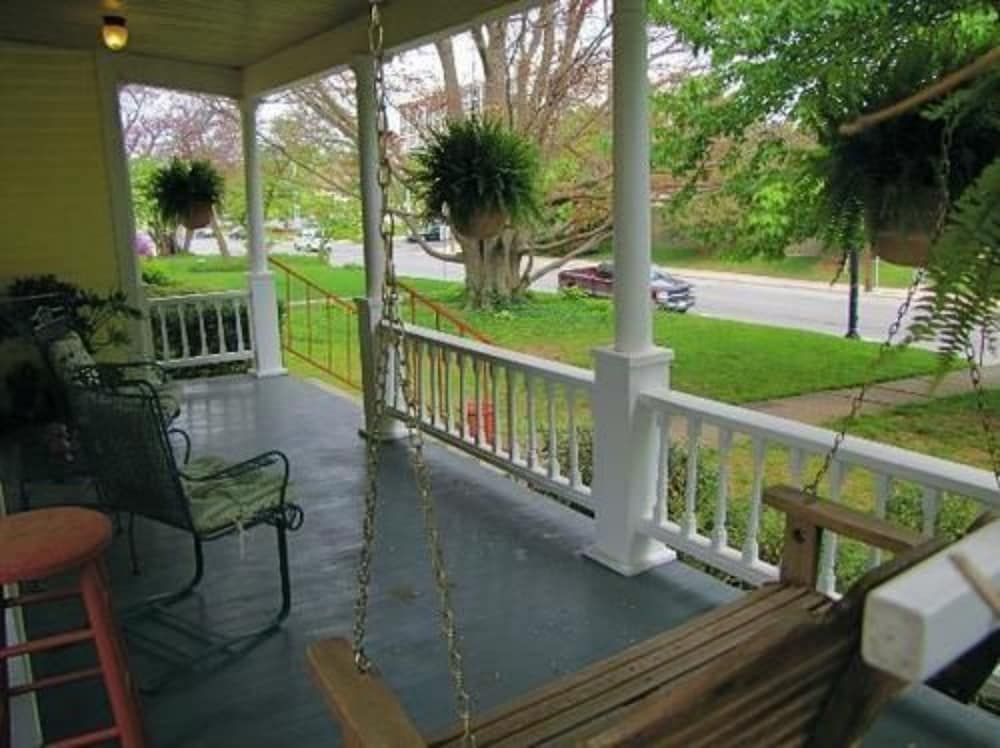 Porch, Walnut Street Inn