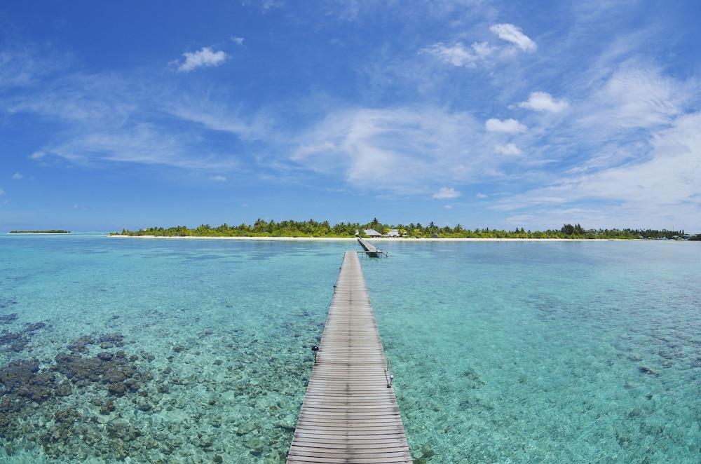 Fun Islands Resort - Maldives (Bodufinolhu, Maldive) | Expedia.it