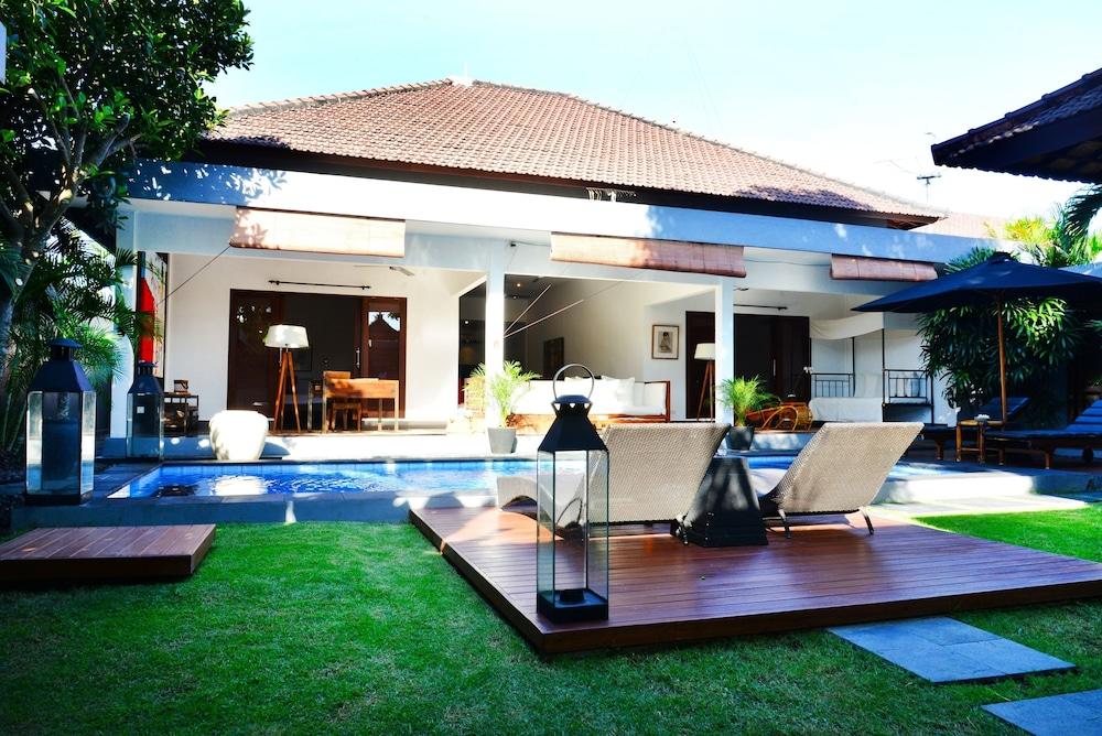 Similar hotels to Sense Hotel Seminyak Villa