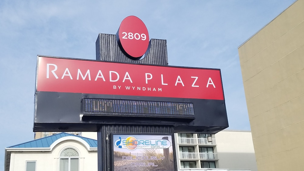 Property Entrance, Ramada Plaza by Wyndham Virginia Beach