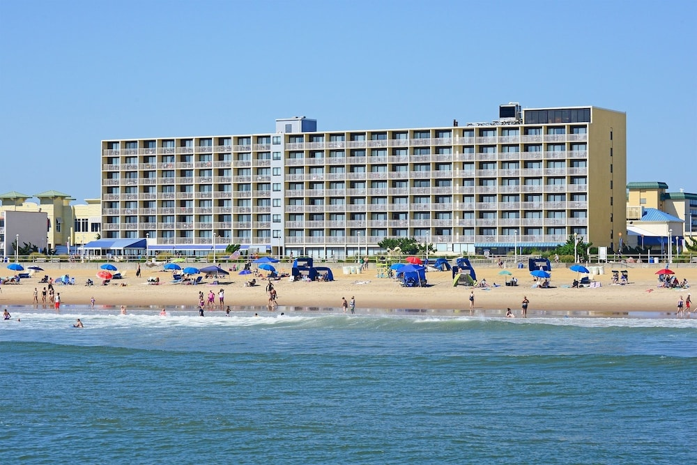 Beach, Ramada Plaza by Wyndham Virginia Beach