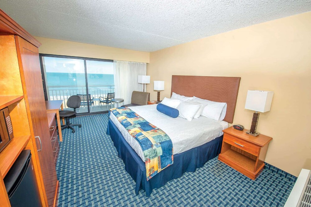 Room, Ramada Plaza by Wyndham Virginia Beach