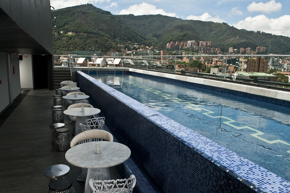 Outdoor Pool, Hotel Exe Bacata 95