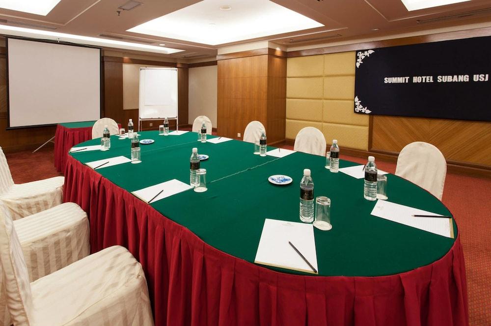 Summit Hotel Subang USJ - Reviews, Photos & Rates - ebookers com