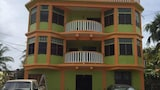 Chaleanor Hotel - Dangriga Hotels