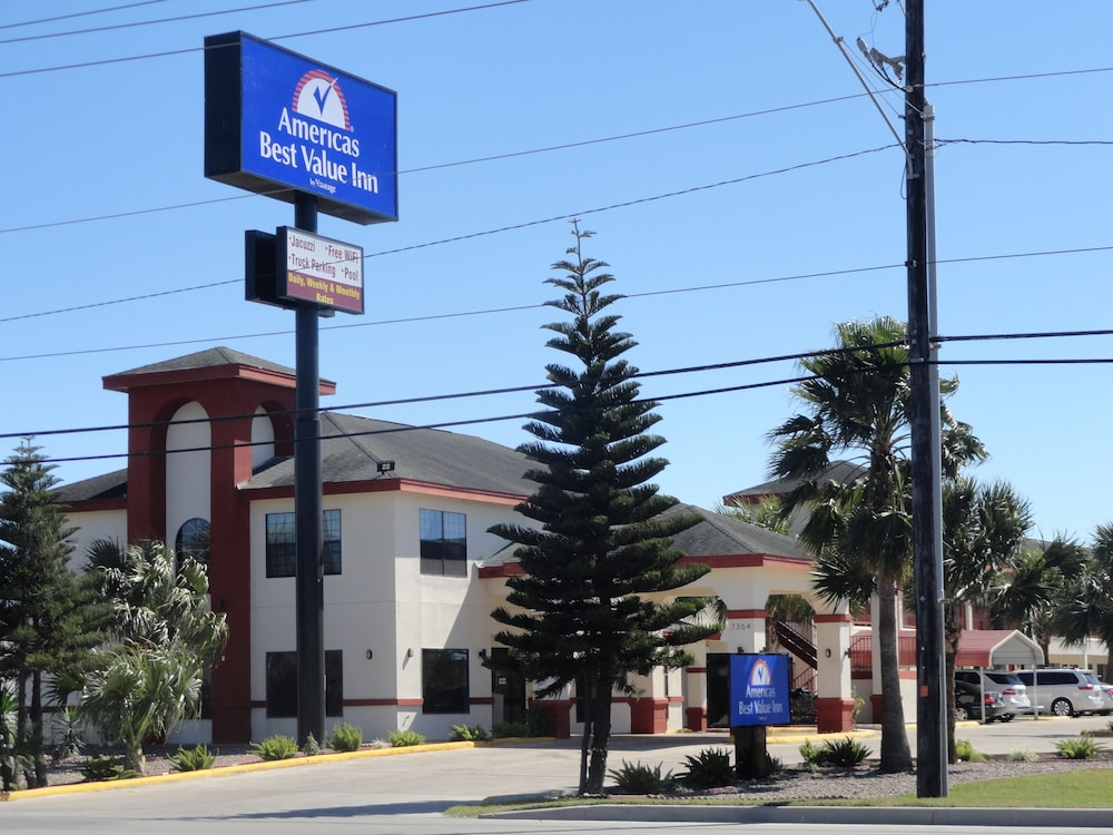 Property Entrance, Americas Best Value Inn Brownsville