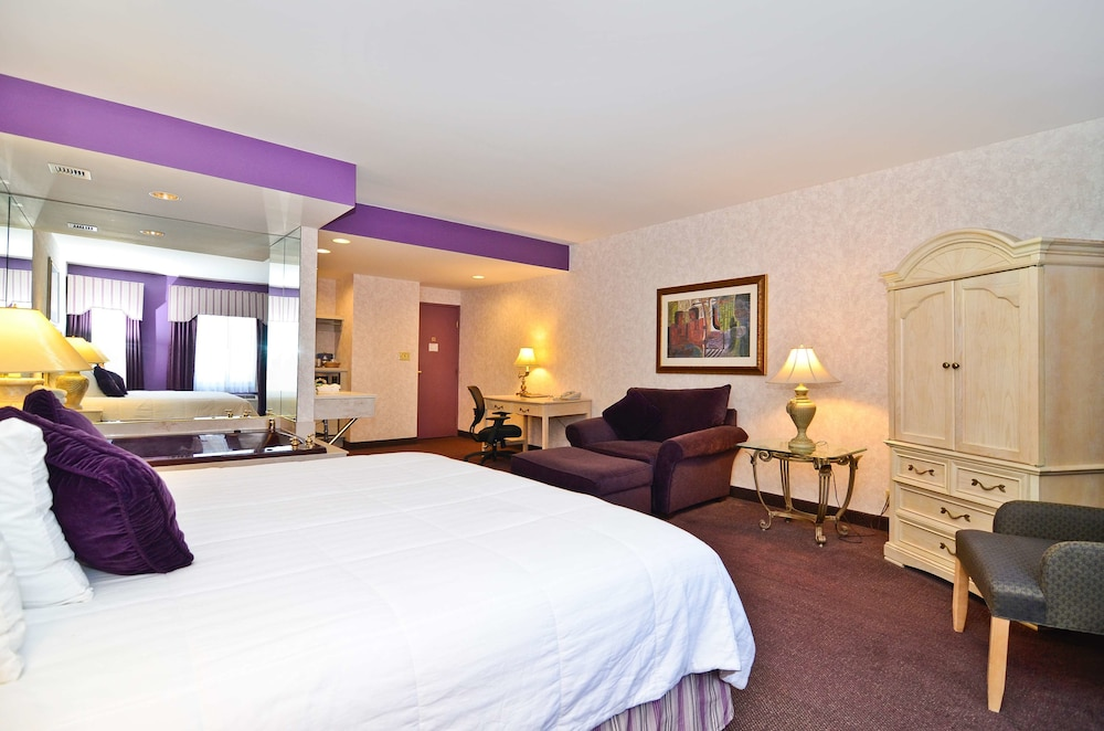 Room, Best Western on the Avenue
