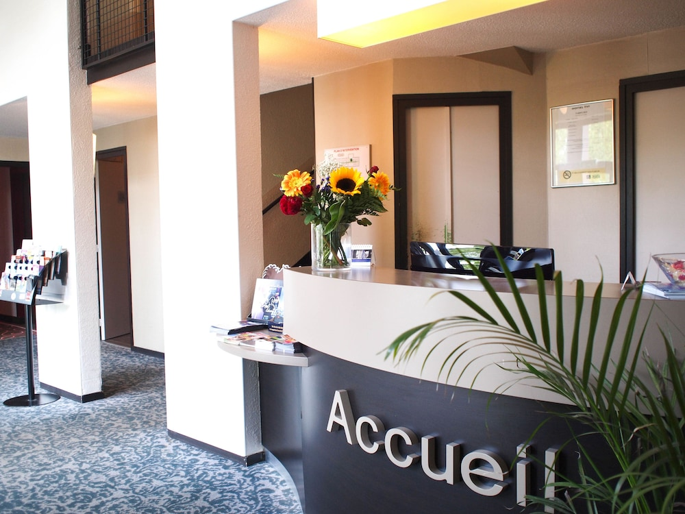 H tel inn design montargis resto novo in villemandeur for Hotel design loire
