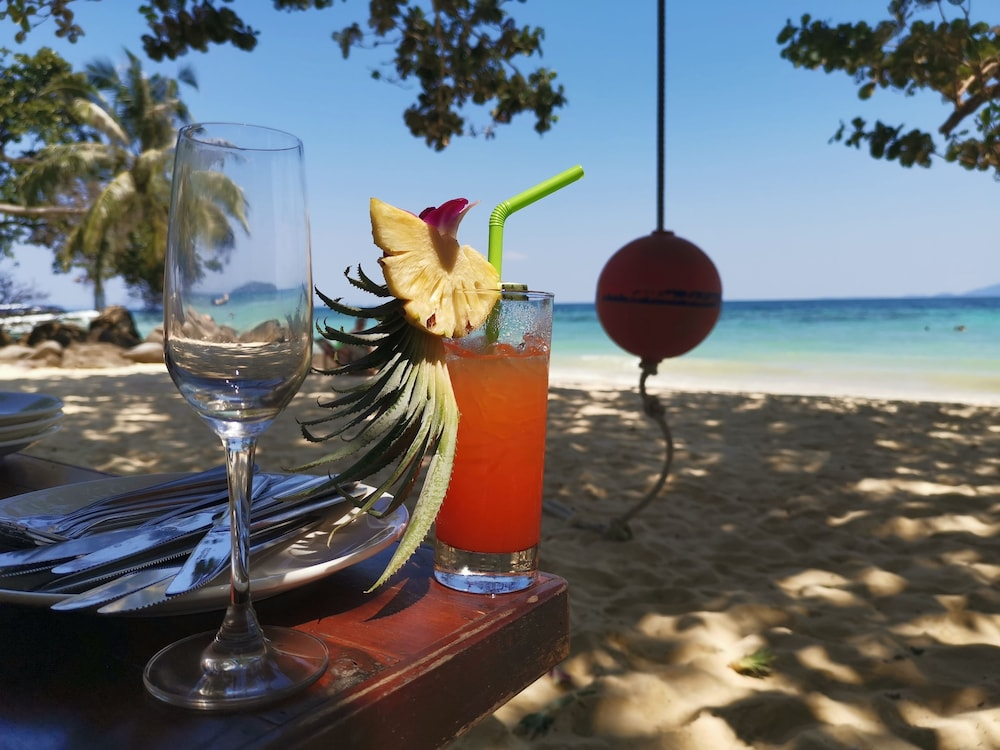Food and Drink, Phi Phi Relax Beach Resort