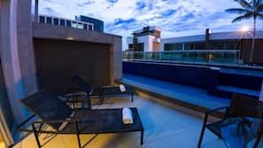 5 piscinas externas, espreguiçadeiras