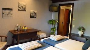Minibar, una cassaforte in camera, insonorizzazione, Wi-Fi gratuito
