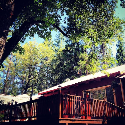 The Red Rooster Lodge