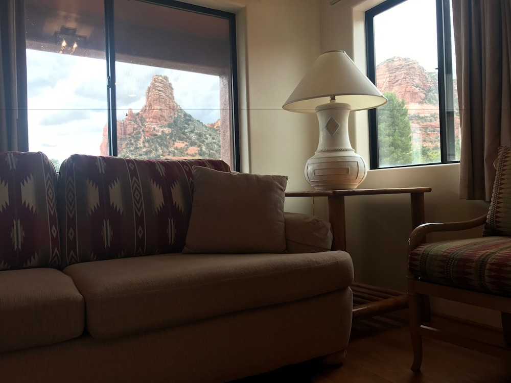 Living Area, Sedona Village Lodge