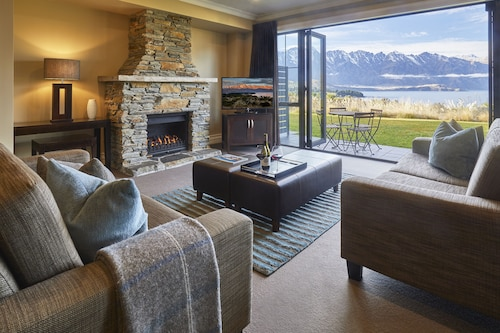 Platinum Queenstown Villas