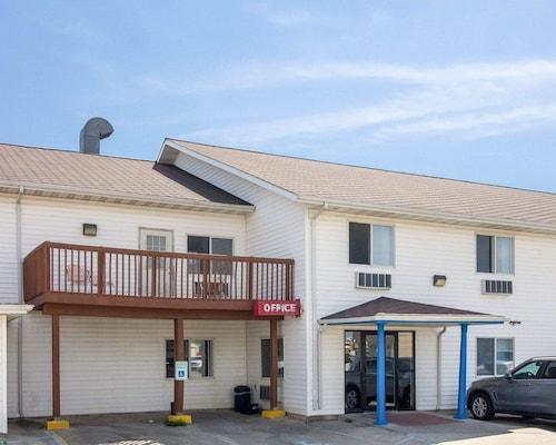 Great Place to stay Rodeway Inn near West Fargo
