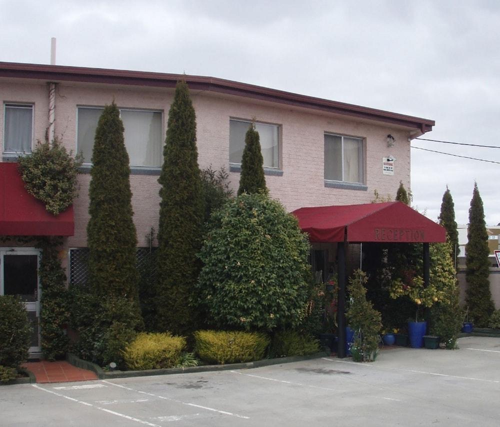 Queanbeyan Australia  City new picture : Crest Motor Inn Deals & Reviews Queanbeyan, Australia | Wotif