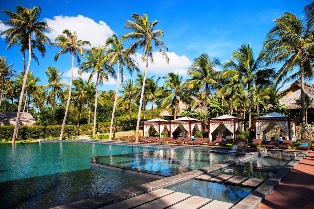 Aroma Beach Resort Rates