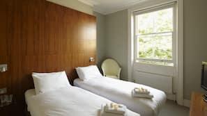 Ropa de cama hipoalergénica y escritorio