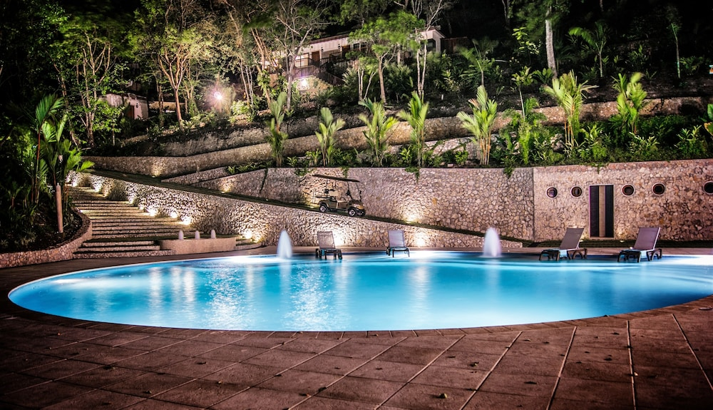 Outdoor Pool, Bolontiku Boutique Hotel
