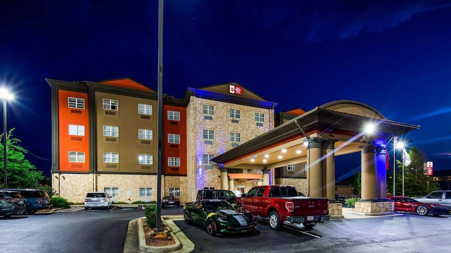 Best Western Plus JFK Inn & Suites