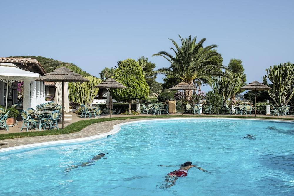 Hotel residence cormoran in cagliari villasimius for Hotel sardegna cagliari