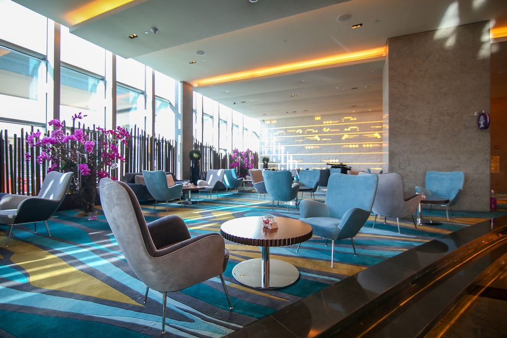 Sofitel dubai downtown reviews photos rates for Best hotels in downtown dubai