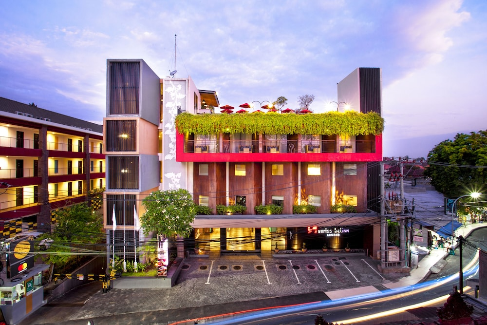 Front of Property - Evening/Night, Swiss-Belinn Legian