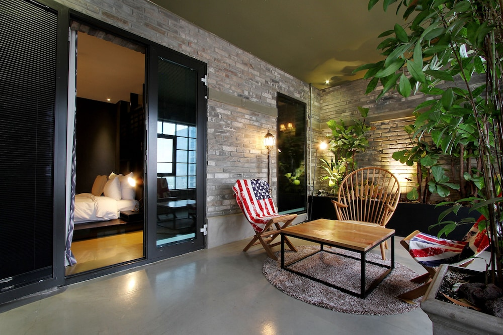 Hotel loft in seoul hotel rates reviews on orbitz for Design hotel in seoul